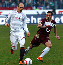 05.0305.03.2011, AWD Arena, Hannover, GER, 1.FBL, Hannover 96 vs FC Bayern Muenchen, im Bild Arjen Robben (Muenchen #10) und Sergio Pinto (Hannover #7).EXPA Pictures © 2011, PhotoCredit: EXPA/ nph/  Schrader       ****** out of GER / SWE / CRO  / BEL ******