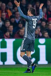 12-12-2018 NED: Champions League AFC Ajax - FC Bayern Munchen, Amsterdam<br /> Match day 6 Group E - Ajax - Bayern Munchen 3-3 / Robert Lewandowski #9 of Bayern Munich
