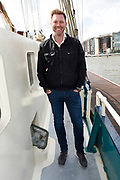 Kennismaking deelnemers Love Exchange op de The Love Boat in Amsterdam. De Heroes of Love gaan tijdens Amsterdam Gay Pride hun levens met elkaar en de wereld delen via het social media evenement Love Exchange.<br /> <br /> Op de foto:  Sipke Jan Bousema