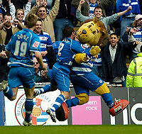 Photo: Ed Godden.<br /> Reading v Queens Park Rangers. Coca Cola Championship. 30/04/2006. Reading's Captain, Graeme Murty celebrates scoring a penalty with their mascot, Kingsley Lion.