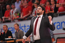 21.06.2015, Brose Arena, Bamberg, GER, Beko Basketball BL, Brose Baskets Bamberg vs FC Bayern Muenchen, Playoffs, Finale, 5. Spiel, im Bild Head Coach / Trainer Andrea Trinchieri (Brose Baskets Bamberg) beobachtet das Spiel. // during the Beko Basketball Bundes league Playoffs, final round, 5th match between Brose Baskets Bamberg and FC Bayern Muenchen at the Brose Arena in Bamberg, Germany on 2015/06/21. EXPA Pictures © 2015, PhotoCredit: EXPA/ Eibner-Pressefoto/ Merz<br /> <br /> *****ATTENTION - OUT of GER*****