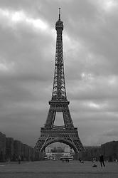 THEMENBILD, Paris, Frankreich, Der Eiffelturm steht in Paris und ist 324 Meter hoch. Er wurde von 1887 bis 1889 gebaut und war urspruenglich als Eingangsportal und Aussichtsturm für die Weltausstellung zur Erinnerung an den 100. Jahrestag der Franzoesischen Revolution errichtet worden. Der nach dem Erbauer Gustave Eiffel benannte Turm war von seiner Fertigstellung bis 1930 das hoechste Bauwerk der Welt. im Bild der Eiffelturm vom Esplanade du Trocadero aus. //THEME IMAGE, FEATURE, Paris, France, The Eiffel Tower is located in Paris and is 324 metres high. He was built from 1887 until 1889 and was originally the portal and viewing tower for the world exhibition on the occasion of the centenary of the French Revolution. The tower is named after his constructor Gustave Eiffel and was after his completion until 1930 the highest building in the world. picture shows the Eiffel Tower. The image was taken from the Esplanade du Trocadero Paris, France on 2010/06/01. EXPA Pictures © 2012, PhotoCredit: EXPA/ Sebastian Pucher