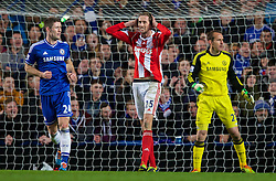 26.01.2014, Stamford Bridge, London, ENG, FA Cup, FC Chelsea vs Stoke City, 4. Runde, im Bild Stoke City's Peter Crouch rues, missed chance against Chelsea // during the English FA Cup 4th round match between Chelsea FC and Stoke City FC at the Stamford Bridge in London, Great Britain on 2014/01/26. EXPA Pictures © 2014, PhotoCredit: EXPA/ Propagandaphoto/ David Rawcliffe<br /> <br /> *****ATTENTION - OUT of ENG, GBR*****
