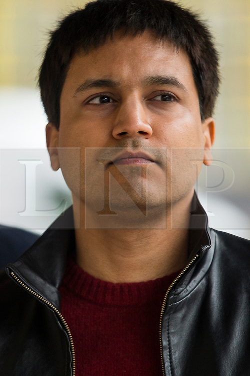 """© Licensed to London News Pictures. 23/03/2016. London, UK.""""Flash crash"""" Trader NAVINDER SINGH SARAO arrives at Westminster Magistrates court in London where Judgment in his extradition hearing is due to be given. Sarao, nicknamed the Hound of Hounslow, is accused of contributing to the 2010 flash crash. He has been charged with 22 counts of fraud and market manipulation by the US authorities who want to extradite him. Photo credit: Ben Cawthra/LNP"""