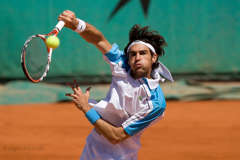 Paris, France. May 30th 2009. .Roland Garros - Tennis French Open. 3rd Round..French player Jeremy Chardy against Tommy Haas.