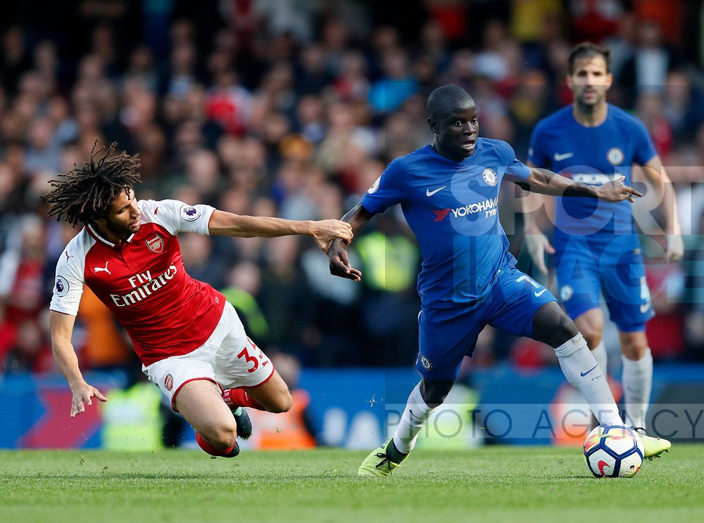 Chelsea's N'Golo Kante goes past Mohamed Elneny of Arsenal during the premier league match at Stamford Bridge Stadium, London. Picture date 17th September 2017. Picture credit should read: David Klein/Sportimage