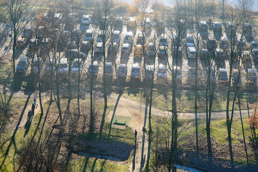 Nederland, Noord-Holland, Muiden, 11-12-2013; Parkeerterrein bij Gooimeer, Golfbaan Naarderbos.<br /> luchtfoto (toeslag op standaard tarieven);<br /> aerial photo (additional fee required);<br /> copyright foto/photo Siebe Swart.