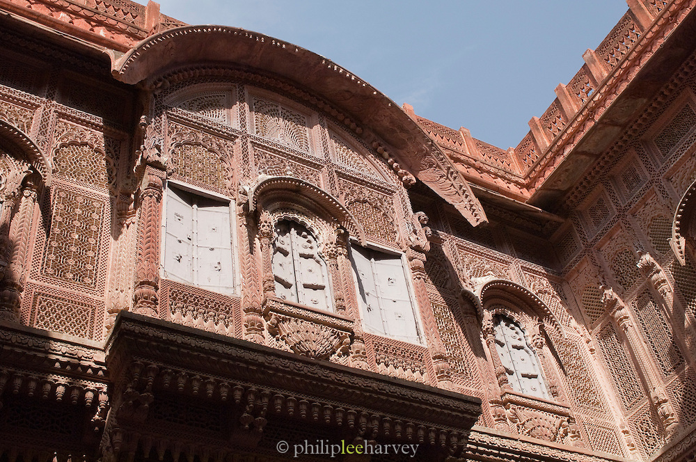 An ornamental balcony, a Jharokha, at Mehrangarh Fort in the city of Jodhpur, Rajasthan, India