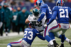 7 Dec 2008: Philadelphia Eagles tight end L.J. Smith #82 catches a pass with New York Giants defending during the game against the New York Giants on December 7th, 2008. The Eagles won 20-14 at Giants Stadium in East Rutherford, New Jersey. (Photo by Brian Garfinkel)
