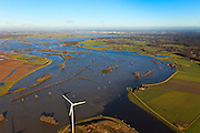 Nederland, Gelderland, De Voorster Klei , 20-01-2011; IJssel bij hoogwater ten noorden van Zutphen. Links de Voorsterklei, rechtsonder in beeld ingang Twentekanaal, Deventer aan de horizon..High waters of the river IJssel near Zutphen. The entrance of the Twentekanaal (bottom right). At the horizon the (Hanse) city of Deventer..luchtfoto (toeslag), aerial photo (additional fee required).copyright foto/photo Siebe Swart