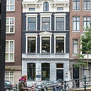 NLD/Amsterdam/20150527 - Uitgeverij Prometheus Herengracht Amsterdam exterieur