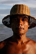 Santo Antonio_BA, Brasil...Retrato de um pescador em Santo Antonio, Bahia...A fisherman portrait in Santo Antonio, Bahia...Foto: LEO DRUMOND / NITRO
