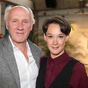 ** PRIVE,WEEKEND,STORY,PARTY OUT ** NLD/Utrecht/20151006 - Boekpresentatie Anne van Veen - 'Wie ik aan het zijn was', Herman van Veen en dochter Anne van Veen