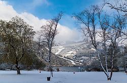 19.04.2017, Zell am See, AUT, Wintereinbruch in Salzburg, im Bild Blick über den Zeller See auf die winterliche Bezirkshauptstadt // Views of Lake Zell on the wintry Zell am See, Austria on 2017/04/19. EXPA Pictures © 2017, PhotoCredit: EXPA/ JFK