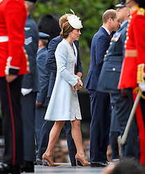 © Licensed to London News Pictures. 10/06/2016. London, UK. CATHERINE DUCHESS OF CAMBRIDGE, PRINCE HARRY and PRINCE WILLIAM arrive. Members of the British Royal Family arrive for a service of thanksgiving to mark the 90th birthday of Queen Elizabeth II, held at St Paul's Cathedral in London. Photo credit: Ben Cawthra/LNP