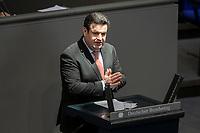 """25 MAR 2020, BERLIN/GERMANY:<br /> Hubertus Heil, SPD, Bundesarbeitsminister, Bundestagsdebatte zu """"COVID 19 - Epidemieschutz, Krankenhausentlastung, Sozialschutz"""", Plenum, Reichstagsgebaeude, Deutscher Bundestag<br /> IMAGE: 20200325-01-063<br /> KEYWORDS: Pandemie, Corona, Sitzung, Debatte"""