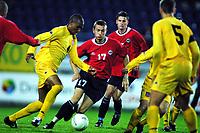 Football, EM-kvalifisering U21, Norge - Wales 2-0. Anders Stadheim (17), Norge og Sogndal. Med ballen Danny Gabbidon, Cardiff (4) og Wales.