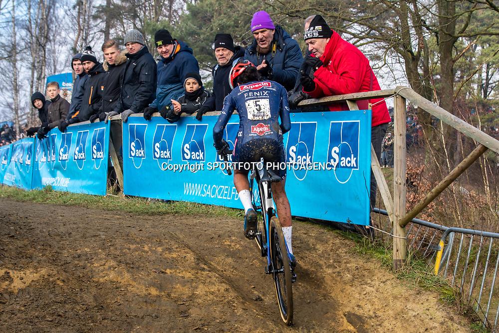 2020-01-01 Cycling: dvv verzekeringen trofee: Baal: Ceylin Alvarado extending her lead