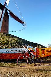 29-01-2006 WIELRENNEN: UCI CYCLO CROSS WERELD KAMPIOENSCHAPPEN: ZEDDAM <br /> Hanka Kupfernagel wordt tweede<br /> ©2006-WWW.FOTOHOOGENDOORN.NL