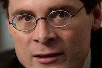 10 JAN 2005, BERLIN/GERMANY:<br /> Roger Koeppel, Chefredakteur der Tageszeitung Die Welt, waehrend einem Interview, in seinem Buero, Axel-Springer-Haus<br /> IMAGE: 20050110-02-059<br /> KEYWORDS: Roger Köppel