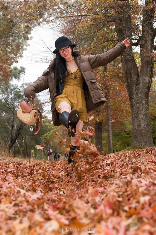 Early autumn portrait photos with a Melbourne model