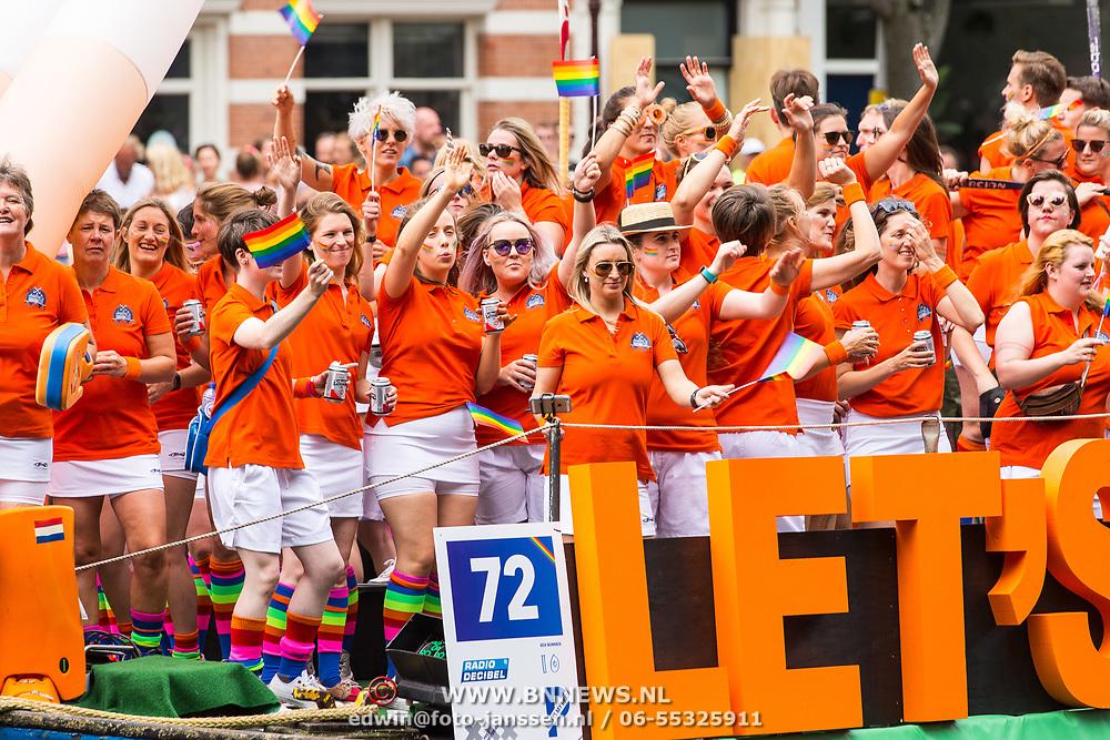 NLD/Amsterdam/20170805 - Gaypride 2017, boot Pink Hockey