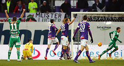 14.02.2016, Generali Arena, Wien, AUT, 1. FBL, FK Austria Wien vs SK Rapid Wien, 22. Runde, im Bild Torjubel von Steffen Hofmann (SK Rapid Wien) nach dem Tor von Thomas Murg (SK Rapid Wien) // during Austrian Football Bundesliga Match, 22nd Round, between FK Austria Vienna and SK Rapid Vienna at the Generali Arena, Vienna, Austria on 2016/02/14. EXPA Pictures © 2016, PhotoCredit: EXPA/ Thomas Haumer