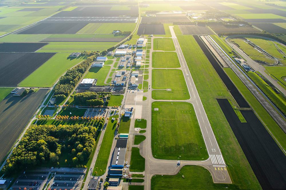 Nederland, Flevoland, Lelystad, 24-10-2013. Vliegveld Lelystad Airport met Nationaal Luchtvaart-Themapark Aviodrome.<br /> Lelystad Airport in the polder in between the farmland of the province Flevoland and museum Aviodrome.<br /> luchtfoto (toeslag op standaard tarieven);<br /> aerial photo (additional fee required);<br /> copyright foto/photo Siebe Swart.