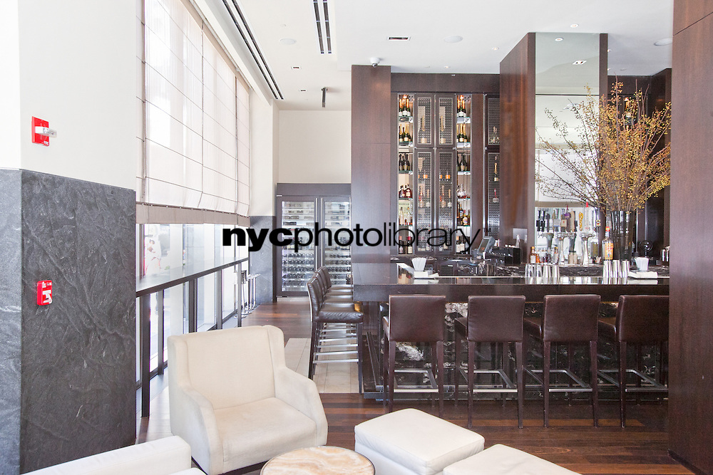 Bar at 400 Fifth Avenue