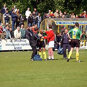 SV Huizen - Dovo 0-1, Bryan Simons gewond