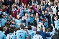 BLOEMENDAAL - HOCKEY - Vreugde bij UHC na de gewonnen  kwartfinale van de EHL (Euro Hockey League) wedstrijd tussen de mannen van UHC Hamburg en Kampong Utrecht(3-2 FOTO KOEN SUYK