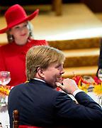 Staatsbezoek aan Nederland van Zijne Majesteit Koning Filip der Belgen vergezeld door Hare Majesteit Koningin <br /> Mathilde aan Nederland.<br /> <br /> State Visit to the Netherlands of His Majesty King of the Belgians Filip accompanied by Her Majesty Queen<br /> Mathilde Netherlands<br /> <br /> op de foto / On the photo:  Queen Mathilde of Belgium and King Willem Alexander attend a lunch hosted <br /> by the Dutch government at the Ridderzaal in The Hague