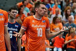 14-09-2019 NED: EC Volleyball 2019 Netherlands - Ukraine, Rotterdam<br /> First round group D - Netherlands win 3-0 / Sjoerd Hoogendoorn #10 of Netherlands