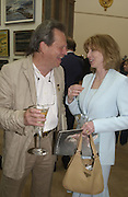 Terry gilliam and Patricia Hodge. The Queen's celebration of the Arts. Royal Academy. 16 May 2002. © Copyright Photograph by Dafydd Jones 66 Stockwell Park Rd. London SW9 0DA Tel 020 7733 0108 www.dafjones.com