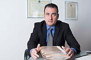 ------------ Pauta Fotográfica -------------------<br /> Data: 15/12/2015       Hora: 10:15<br /> Editoria: Legislação&Tributos<br /> Reporter: Adriana Martins Ivancko Aguiar<br /> Local: BELO HORIZONTE<br /> Endereço Completo: Av. Prudente de Morais n°1250 - 7° e 8° andares - Cidade Jardim<br /> <br /> Detalhe: A definição se será permitida a terceirização em todos os setores da companhia ficou para 2016. Os dois processos que estão no Supremo ainda estão parados. O projeto de lei do deputado Sandro Mabel, que permite a terceirização,  foi aprovado na Câmara dos Deputados e encaminhado no meio deste ano para o Senado, onde ainda não foi analisado. Os advogados da Cenibra, do caso que chegou no Supremo, pediu, em outubro agora,  o sobrestamento das ações que tratam do tema porque eles continuam sendo condenados no TST e no TRT de Minas. O pedido ainda não foi analisado. O processo da Associação Brasileira do Agronegócio (Abag)  recebeu parecer desfavorável da Procuradoria Geral da República no Supremo.<br /> Personagem: Marcello Badaró<br /> Telefone Personagem: (31) 3298-1125 / (31) 3298-1111<br /> Foto: Marcus Desimoni / NITRO