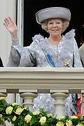 Prinsjesdag 2011 - Paleis Noordeinde Den Haag.  Op Prinsjesdag spreekt het staatshoofd, Koningin Beatrix, de troonrede uit. Daarin geeft de regering aan wat het regeringsbeleid zal zijn voor het komende jaar.<br /> <br /> Prinsjesdag (English: Prince's Day) is the day on which the reigning monarch of the Netherlands (currently Queen Beatrix) addresses a joint session of the Dutch Senate and House of Representatives in the Ridderzaal or Hall of Knights in The Hague. <br /> <br /> Op de foto/ On the Photo Koningin Beatrix / Queen Beatrix