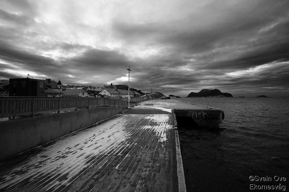 Nordsiden av Ålesund rives for å gjøre plass til kontorer.<br /> Foto: Svein Ove Ekornesvåg