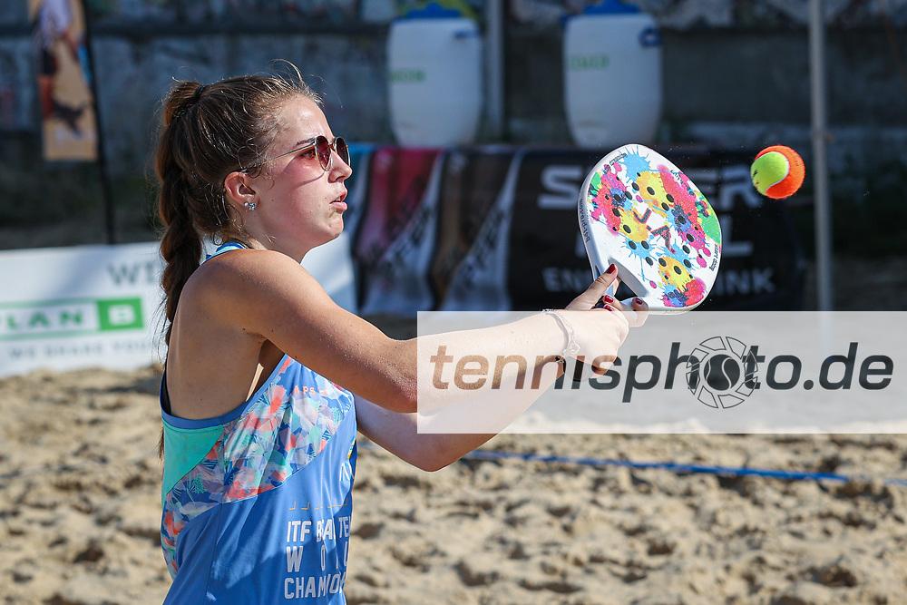 Im Bild: Janina Ahrens (GER) <br /> <br /> ITF Beach Tennis Tour - BT10 Berlin, Berlin, Beach-Mitte, 16.07.2021, <br /> <br /> Foto: Claudio Gärtner