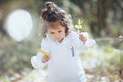 Sesió de fotografia familiar i infantil natural a l'Estany de Banyoles.