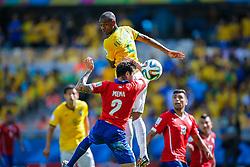 Fernandinho na partida entre Brasil x Chile, válida pelas oitavas de final da Copa do Mundo 2014, no Estádio Mineirão, em Belo Horizonte. FOTO: Jefferson Bernardes/ Agência Preview