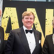 NLD/Amsterdam/20140508 - Wereldpremiere voorstelling Anne, Johan Remkes, Koning Willem - Alexander en Eberhard van der Laan