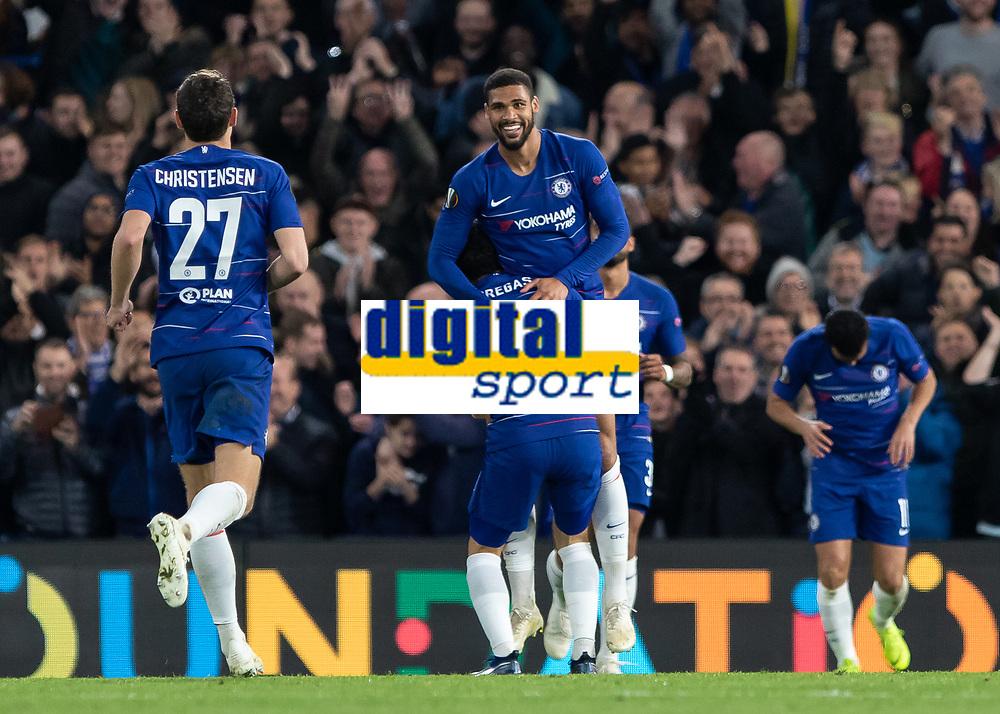 Football - 2018 / 2019 Europa League - Group L: Chelsea vs. FC BATE Borisov<br /> <br /> Cesc Fabregas (Chelsea FC)  lifts Ruben Loftus Cheek (Chelsea FC)  after his third goal at Stamford Bridge.<br /> <br /> COLORSPORT/DANIEL BEARHAM