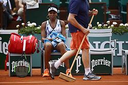June 2, 2017 - Paris, France - US Venus Williams reacts during her tennis match at the Roland Garros 2017 French Open on June 2, 2017 in Paris. (Credit Image: © Mehdi Taamallah/NurPhoto via ZUMA Press)