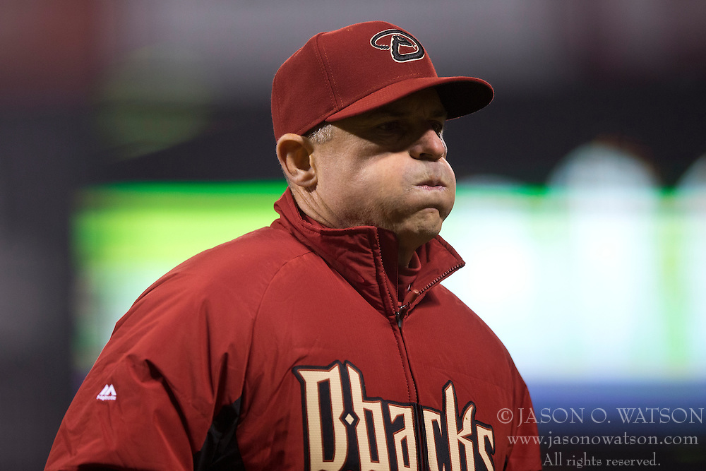 SAN FRANCISCO, CA - APRIL 18:  Chip Hale #3 of the Arizona Diamondbacks returns to the dugout after making a pitching change against the San Francisco Giants during the seventh inning at AT&T Park on April 18, 2015 in San Francisco, California.  The San Francisco Giants defeated the Arizona Diamondbacks 4-1. (Photo by Jason O. Watson/Getty Images) *** Local Caption *** Chip Hale