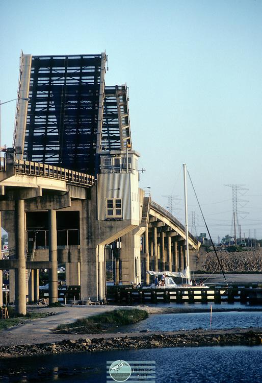 1983 Draw Bridge