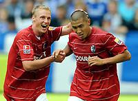 Fotball<br /> Tyskland<br /> Foto: Witters/Digitalsport<br /> NORWAY ONLY<br /> <br /> 29.08.2009<br /> <br /> Jubel 0:1 v.l. Felix Bastians, Du-Ri Cha Freiburg<br /> Bundesliga FC Schalke 04 - SC Freiburg 0:1