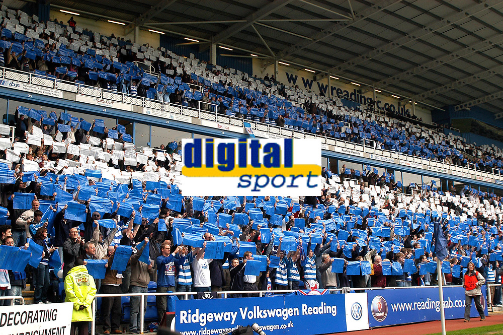 Photo: Ed Godden.<br /> Reading v Queens Park Rangers. Coca Cola Championship. 30/04/2006. Reading fans show their support.