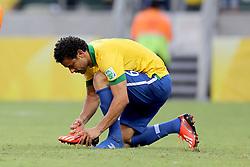 Fred amarra a chuteira na partida entre Brasil e México válida pela segunda rodada da Copa das Confederações 2013, no estádio Arena Castelão, em Fortaleza-CE. FOTO: Jefferson Bernardes/Preview.com