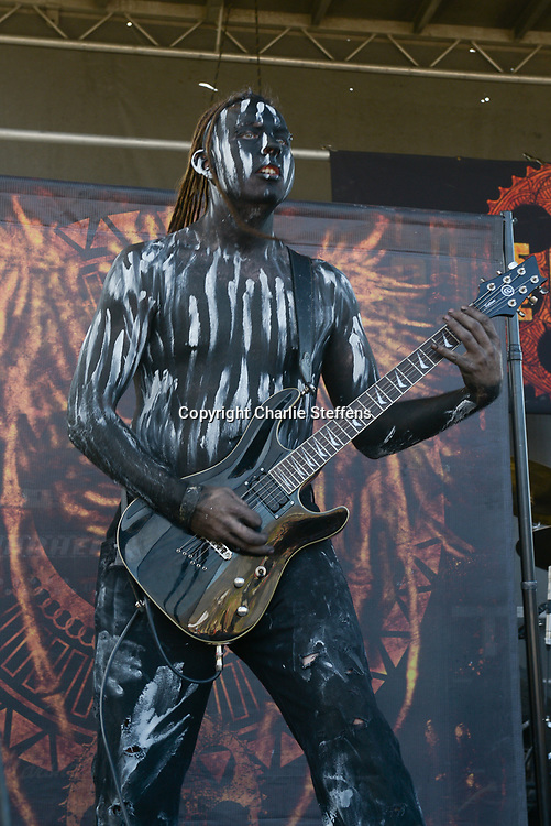 Motograter performs at Knotfest 2014 on October 26, 2014 at Glen Helen Amphitheater in Devore, California (Photo: Charlie Steffens/Gnarlyfotos)