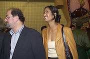 Salman Rushdie and Padma Lashmi. Damian Hirst opening reception and after party. Gagosian gallery and 118 10th Ave. New York. 23 September 2000.  © Copyright Photograph by Dafydd Jones 66 Stockwell Park Rd. London SW9 0DA Tel 020 7733 0108 www.dafjones.com